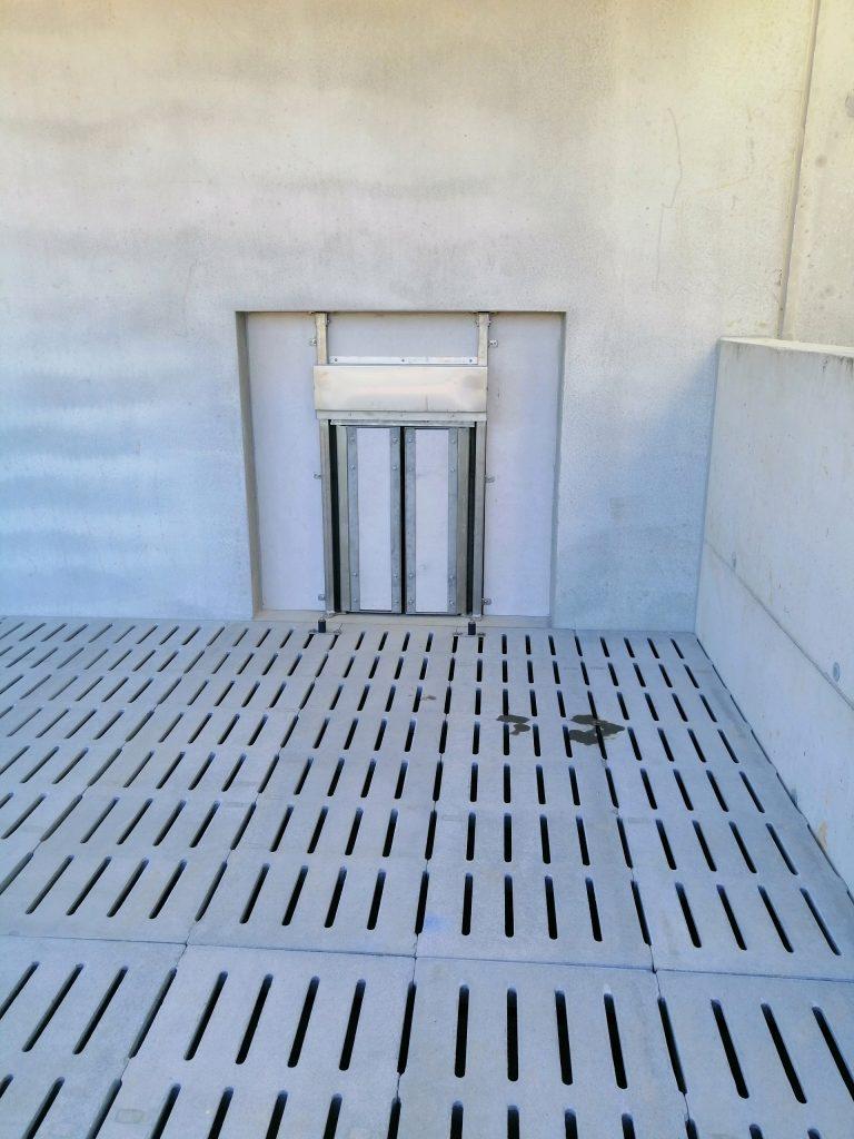porte de sortie à l'extérieur du paddock 3